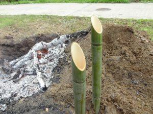 酒の燗 竹の香りが移って