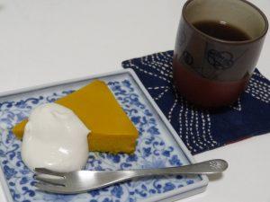 黒焼き玄米茶 を添えて