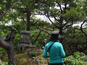 山頂の仏たち