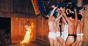 胴押し(毘沙門様の裸祭り)